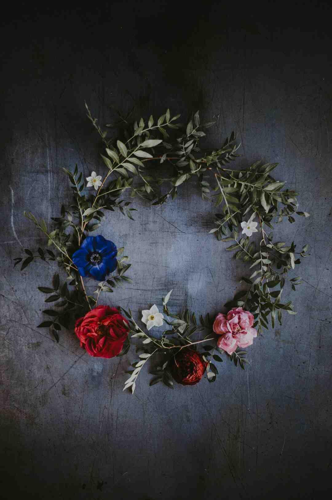 How to Make Floral Craft Arrangements