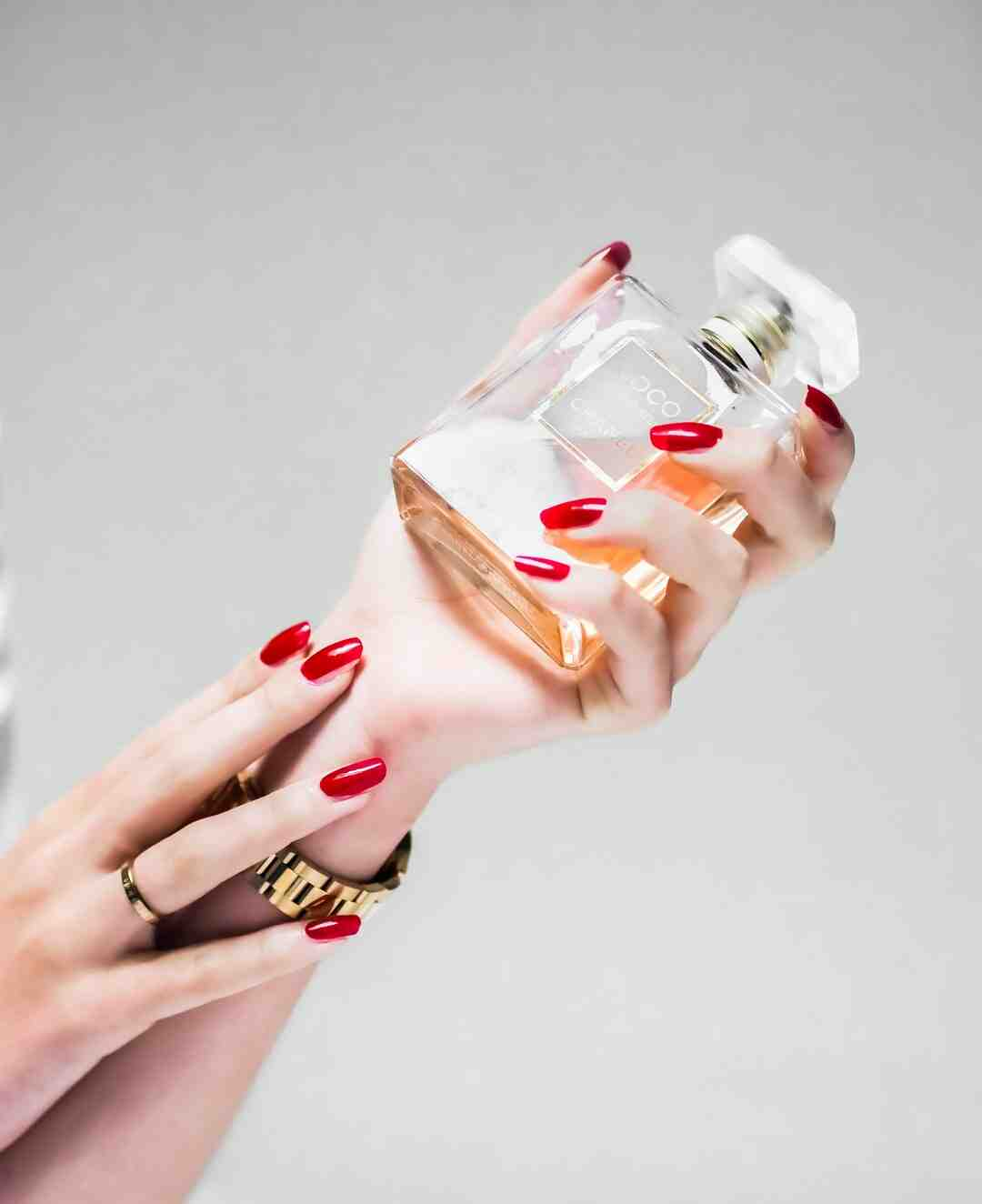 How to Use Fragrance in Your Personal Care Routine